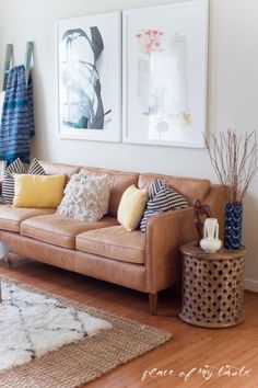 FUN AND BRIGHT BOHO LIVING ROOM DECOR This fun and boho living room decor is great! You need to see the before picture! What a transformation from a messy playroom to a brigh, boho living room! Rugs In Living Room, Living Room Designs, Living Room Decor, Decor Room, Eclectic Furniture, Sofa Design, Interior Design, Home Studio, Living Room Inspiration