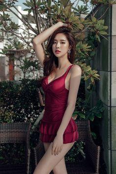 ยุนอา นางแบบจากแดนกิมจิ ที่มีรูปร่างโค้งเว้า สัดส่วนโดนใจ!!