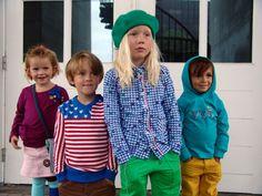 Meisje in 4funkyflavours en de jongens in mixen van 4funkyflavours en Van Hassels. Alles verkrijgbaar bij KikiBo #KikiBo #4funkyflavours #VanHassels www.kikibo.nl