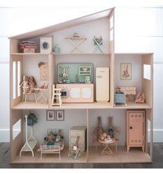 Buy Maileg rabbits, dolls, bunnies, accessories and furniture here House Beautiful beautiful doll house Mini Doll House, Barbie Doll House, Barbie Toys, Wooden Dollhouse, Diy Dollhouse, Bookshelf Dollhouse, Cardboard Dollhouse, Victorian Dollhouse, Scandinavian Kids Furniture