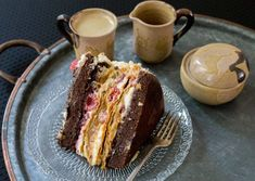 Raspberry Dulce de Leche Chocolate Cake or Torta Mixta in Chile is a delicious, traditional recipe. The combination of flavors is fantastic. Chilean Recipes, Chilean Food, Thousand Layer Cake, Puff Pastry Dough, Cake Flour, Cake Mold, Oven Baked, Yummy Cakes, Chocolate Cake
