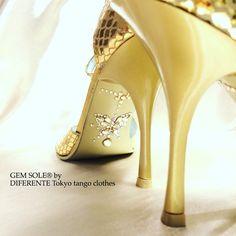 GEM SOLE of Golden butterfly for beautiful Japanese tanguera Ms.Y.U. #gemsole #diferente