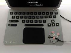 Eine Geldkarte in Form eines Laptops habe ich gebastelt. Sie sieht fast echt aus und kam auch sehr gut an.