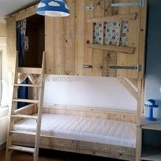 Bunk bed is great to place in the kid's room because it saves the space as well as it keeps the kids happy that they. Bunk Beds Boys, Kid Beds, Loft Beds, Tree House Bunk Bed, Kids Bedroom, Bedroom Decor, Bedroom Ideas, Pallet Tree Houses, Forest Room
