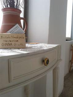 Törtfehér vintage éjjeliszekrény 28000.-ft Entryway Tables, Furniture, Vintage, Home Decor, Decoration Home, Room Decor, Home Furnishings, Vintage Comics, Arredamento