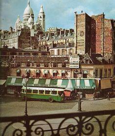 Aux 2 marronniers -  Boulevard de Rochechouart - photo colorisée début 20e