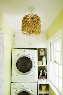 Clothes pin light. Cute! Might have to make this when I get a bigger laundry room!