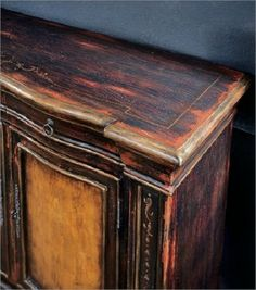 Renew your old pieces of furniture!