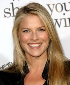 "Ali Larter In Spring Larter moved from Los Angeles to New York. ""I was too young and impressionable to handle the pressures of L."" Larter recalled in an interview, ""I'm a woman now. I am no longer the little girl who could be easily influenced Ali Larter, Hollywood Celebrities, Hollywood Actresses, Legally Blonde, Glamour Magazine, Blonde Women, Famous Women, Female Images, Gal Gadot"