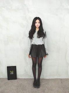 Korean Fashion – How to Dress up Korean Style – Designer Fashion Tips Kawaii Fashion, Cute Fashion, Look Fashion, Fashion Beauty, Girl Fashion, Womens Fashion, Latest Fashion, Hipster Fashion, Fashion Spring
