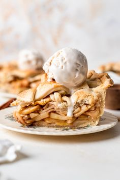 The BEST Vegan Healthy Apple Pie (Gluten Free Option) Vegan Desserts, Dessert Recipes, Gluten Free Apple Pie, Vegan Pie Crust, Pie Tops, Apple Pie Recipes, Vegan Butter, Baking Ideas, Pie Dish