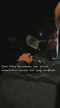 #katakata #quotesindonesia #quotes #katahati Quotes Rindu, Message Quotes, People Quotes, Mood Quotes, Daily Quotes, Best Quotes, Quotes Lockscreen, Wallpaper Quotes, Broken Home