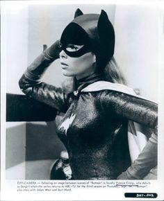 Yvonne Craig | Rare Yvonne Craig as Batgirl pictures
