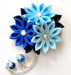 Kanzashi fabric flower hair clip. Shades of blue. Blue by JuLVa