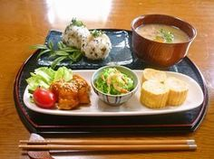 japanese food, sushi, sashimi, japanese sweets, for japan lovers Japanese Dishes, Japanese Food, Japanese Sweets, Asian Recipes, Healthy Recipes, Eat This, Asian Cooking, Plate Lunch, Food Presentation