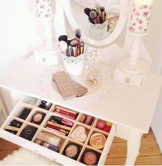 precioso mueble, vintage, decoracion. http://ift.tt/1wCE1xa