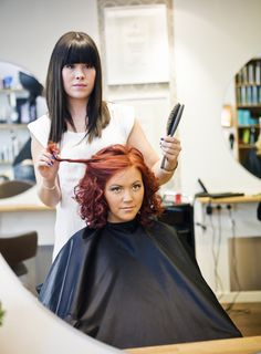 The easiest way to avoid a nightmare salon visit? Learn to communicate with your stylist before getting in the chair (Click through to learn how)
