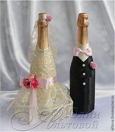 `Романтика` оформление свадебного шампанского. Оформление бутылок свадебного шампанского в нарядах жениха и невесты. Кружево, ленты и цветы могут быть любые на ваш выбор. Цена указана за оформление двух бутылок стандартного размера без учёта стоимости шампанского.