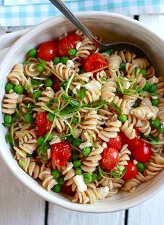 pasta w/ cherry tomatoes & peas :)