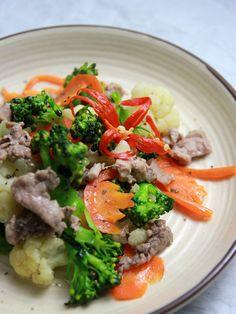 súp lơ, cà rốt xào thịt bò, vietnamese food