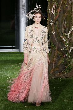 画像: 160/166【Dior】 Christian Dior, Green Eyes, Timeless Fashion, Glamour, Couture, Fashion Designers, Evolution, Unique, How To Wear