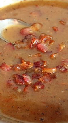 Hot Bacon Dressing [perfect for a spinach salad. my mom taught me to do this. hers has chopped green onions in it though. thanks, mom! jh] just sub stevia for sugar to be thm! Chutneys, Bacon Recipes, Cooking Recipes, Hot Bacon Dressing, Vingerette Dressing, Marinade Sauce, Good Food, Yummy Food, Homemade Dressing