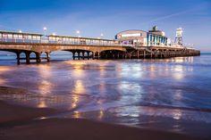 Bournemouth Pier at night Dorset. The lights of Bournemouth Pier at night reflec , Dorset England, England Ireland, England Uk, Bournemouth England, Bournemouth Beach, Uk Holidays, Jurassic Coast, Ireland Landscape, Paisajes