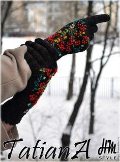 """Купить Эксклюзивные вязаные перчатки с вышивкой """"Malabrigo"""" - комбинированный, перчатки, перчатки женские, перчатки вязаные"""