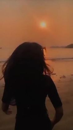 Song Lyrics Wallpaper, Sad Wallpaper, Beautiful Nature Scenes, Beautiful Songs, Funny Images With Quotes, Sky Aesthetic, Aesthetic Videos, Bollywood Music Videos, Love Wallpapers Romantic