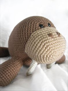 Wilbur the walrus amigurumi pattern by Footloosefriend