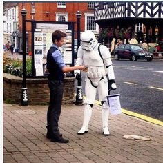 Carr witnessing to a storm trooper in Britain. He said that they haven't had the Witnesses call on the Death Star. http://ministryideaz.com