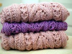 KARDEMUMMAN TALO: Tuubihuivin ohje Knitted Shawls, Ravelry, Knit Crochet, Crotchet, Diy And Crafts, Sewing, Pattern, Cowls, Knitting Ideas