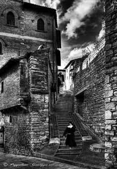 "500px / Photo ""Streets of Assisi"" by Giuseppe Peppoloni"