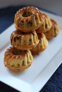 Gumimacik: Csokidarabos minikuglóf Savarin, Cooking Recipes, Healthy Recipes, Mini Cupcakes, Muffin, Waffles, Cake Decorating, Bakery, Deserts