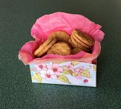 Mother& Day is the perfect time to make a special gift for Mom. You can make this Cookie Gift Box and fill it with her favorite cookies on her special da Special Gifts For Mom, Special Day, Recycled Crafts Kids, Crafts For Kids, Mothers Day Crafts, Mother Day Gifts, Edible Crafts, Diy Crafts, Craft Tutorials