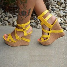 Strappy Wedge Heels, Wedge Shoes, Shoes Heels Wedges, Platform Wedge Sandals, Heeled Sandals, Leather Sandals, Women's Shoes, Hot Shoes, Outfits