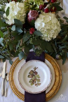 Warm & Wonderful Thanksgiving Table With Figs And Artichokes Thanksgiving Table Settings, Thanksgiving Tablescapes, Holiday Tables, Thanksgiving Decorations, Christmas Tables, Thanksgiving Dinnerware, Autumn Decorating, Fall Decor, Hortensia Hydrangea