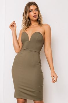 b3ded90479c7 24 Amazing Navashe images | Day dresses, Buttons, Clothing