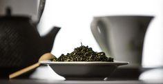Paris, le nouvel eldorado du thé vert japonais haut de gamme How To Dry Basil, Paris, Food, Japanese Language, Lineup, Green, Montmartre Paris, Essen, Paris France
