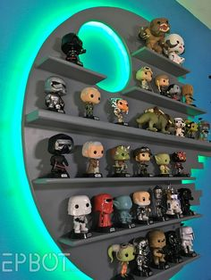 Here& something fun John and I& been meaning to build for a while now: A Death Star Funko Pop Shelf! Star Wars Decor, Decoration Star Wars, Funko Pop Shelves, Funko Pop Display, Boy Room, Kids Room, Star Wars Bedroom, Geek Room, Geek Decor