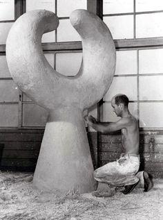 Isamo Noguchi. Pinned by a Taste Setter: http://www.thetastesetters.com