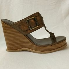 Linea Paolo Sz 7.5 Bronze wedges. New An elegant Linea Paolo sandals in new condition. With bronze accents. Very chic and very comfortable.  4.5-inch heel and anchored by a 1-inch platform. No box. Linea paolo Shoes Wedges