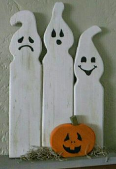 20 Creative Halloween Decorations to Get Your Home Ready for the Holiday. Looking for the perfect Halloween decorations? Want to make your home as spooky and fun as possible? Halloween Wood Crafts, Halloween Ghost Decorations, Halloween Ghosts, Fall Crafts, Fall Halloween, Holiday Crafts, Holiday Decor, Diy Ghost Decoration, Halloween Wood Signs