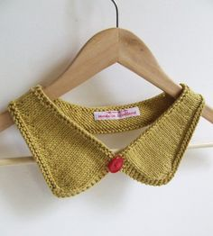 Simple hand knit collar with contrast button by CMbeatknit on Etsy, $25.00