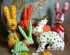 Šité dekorace   Zajíci a ušáci  
