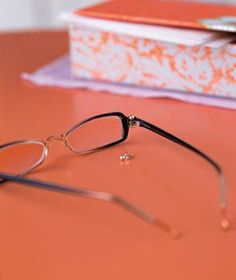 Travel Tip: Use a spare post earring to fix broken eyeglasses (instead of resorting to tape). If the tiny screw that connects the arm to the frame of your glasses goes missing, replace it with a stud and secure it with the back for a temporary solution. Things To Know, Old Things, How To Fix Glasses, New Uses, Everyday Items, Real Simple, Household Items, Problem Solving, Good To Know