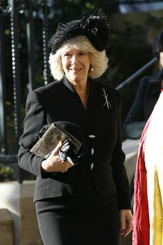 Camilla Parker Bowles Photos Photos - Camilla, Duchess of Cornwall  attends a Memorial Service Held For Sir John Mortimer at Southwark Cathedral on November 17, 2009 in London, England. - Memorial Service Held For Sir John Mortimer