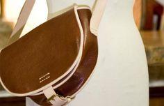 Jagdtasche Sissi (dunkelbraun-braun) Sissi, Dark Brown, Products, Get Tan, Dime Bags, Leather