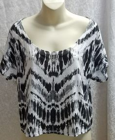 Express Women's Black and White Crop Top Short sleeve Size M  #Express #CropTop #Casual