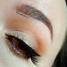 Makeup Geek Duochrom Eyeshadow in Voltage + Makeup Geek Eyeshadows in Americano and Tuscan Sun + Makeup Geek Sparklers in Light Year. Look by: Love and Mascara